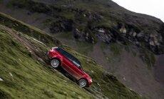 Benas Collinsas vairuoja Range Rover Sport