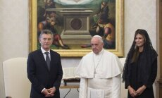Popiežius Prancisškus, Mauricio Macri su žmona