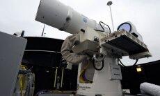 2012 metais bandyta lazerinė sistema JAV karo laive