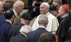 Joe Bidenas, Popiežius Pranciškus