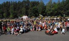 Vaikų globos namų auklėtiniams surengė šventę kartingo trasoje
