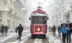 Stambulą paralyžiavo didžiulis snygis