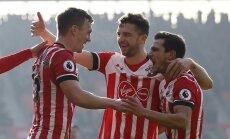 """Premier lyga, """"Southampton"""" futbolininkai džiaugiasi įvarčiu į """"Leicester City"""" vartus"""