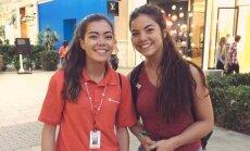 """S. Gutierrez ir jos """"dvynė"""""""