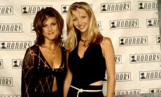 Lisa Kudrow ir Jennifer Aniston 1995 metais.
