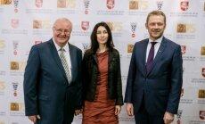 Iš kairės Linas Zaikauskas su žmona Margarita bei kultūros ministru Šarūnu Biručiu