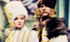 Imperatorienė Jekaterina I ir Petras I (kadras iš filmo)