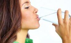 Įpročiai, kurie kenkia sveikatai: ar teisingai sėdite, geriate ir miegate?