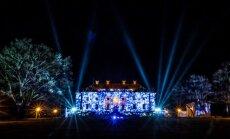 """Pakruojo dvare prasideda ledo skulptūrų ir šviesų festivalis """"Pasaka"""""""