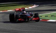Jensonas Buttonas skrieja Monzos trasa