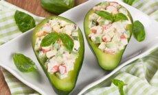 Avokadų salotos su kiaušiniais ir krabų lazdelėmis