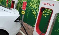 Tesla plečia įkrovos stotelių tinklą