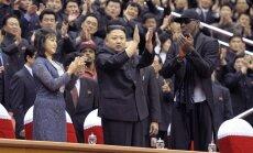 Ri Sol Ju (Li Sol Džu), Kim Jong Unas (Kim Čen Unas) ir Dennis Rodmanas
