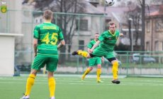 """""""Kaunas"""" – """"Šiutė"""" futbolo klubų rungtynių momentas."""