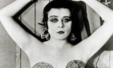 Kadras iš 1917 metų filmo Kleopatra