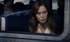 Kadras iš filmo Mergina traukiny