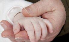vaikas, ranka, krikštynos