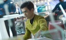 John Cho, kadras iš filmo Žvaigždžių kelias