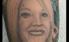 Tatuiruotė su buvusios žmonos atvaizdu vyrui nekėlė gerų jausmų: nustebsite pamatę, ką padarė