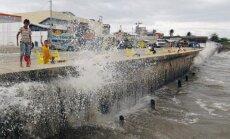 Filipinų krantus pasiekė smarkus taifūnas