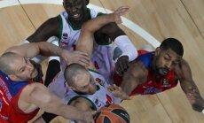 Dėl kamuolio kovoja CSKA ir Baskonia krepšininkai