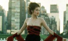 Angelina Jolie 1998 metais
