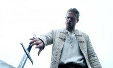 Charlie Hunnamas filme Karalius Artūras: kalavijo legenda