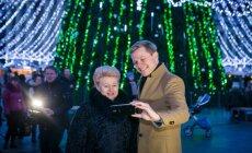 D. Grybauskaitė ir R. Šimašius išbandė kalėdinį traukinuką