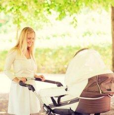 Pavojinga klaida, kurią daro daug tėvų, vežiodami vaikus vežimėliu vasarą