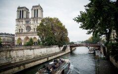 Paryžius dėl teroro išpuolių grėsmės pernai neteko 1,5 mln. turistų