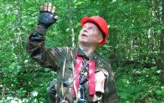 Kad galėtų medžiuose kelti lizdus, baigė aukštalipių kursus