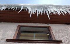 Kodėl stogai apledėja ir kaip su tuo tvarkytis