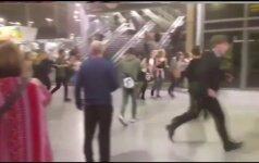 Liudininkai užfiksavo chaosą po teroro išpuolio Mančesterio arenoje