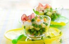 Bulvių ir žirnelių salotos su kumpiu