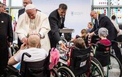 Popiežius Krokuvos ligoninėje aplankė vaikus