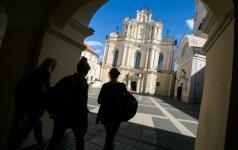 Lietuviškas paradoksas: palygino dėstytojų ir rektorių atlyginimus