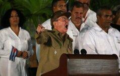 Raulis Castro žada ginti Fidelio revoliuciją