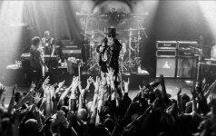 """Atsikūrę """"Guns N' Roses"""" skelbia turo """"Not in This Lifetime"""" pradžią"""