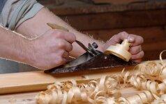 Darau pats: itin paprastai pagaminama medinė lentynėlė