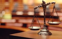Graikijos teismas atidėjo sprendimą dėl pabėgusių įtariamų Turkijos perversmininkų ekstradicijos