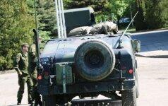 Panevėžyje policijos pastatas tapo karo lauku: aidėjo šūviai, į pagalbą policija skubėjo kariai