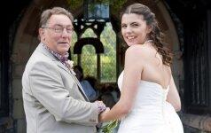 """MEILĖ: 81 metų Austrijos milijardierius vedė 24-erių """"Playboy"""" modelį"""