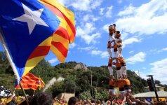 Vis mažiau katalonų nori nepriklausomybės nuo Ispanijos