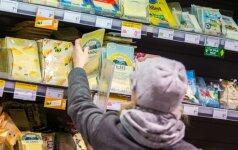 Skundžiasi pieno produktų kainomis: kai prieinu, man net gėda – prastoviu taip ilgai