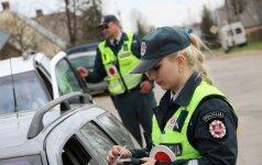 Sekmadienio reidas Šiauliuose: 1,52 promilės, mėgėjas važinėti be saugos diržų ir kiti pažeidimai