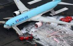 """Evakuoti """"Korean Air"""" lėktuvo keleiviai"""