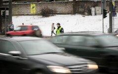 """Į Telšių apskrities policijos viršininko BMW sankryžoje atsitrenkė """"Chrysler"""""""