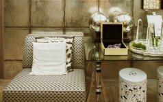 Retro stiliaus namai žavi ryškiomis spalvomis ir drąsiais raštais