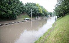Liūties padariniai: Vilniaus nuotekos plūsta į Nerį