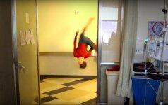 Tomas Hollandas Los Andželo vaikų ligoninėje
